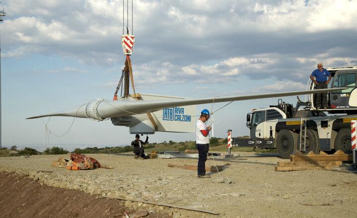 2017.07.06-Wind_turbines-ATB_60_28_DD-installation-sicilia-08.jpg -