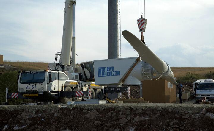 2017.07.06-Wind_turbines-ATB_60_28_DD-installation-sicilia-07.jpg -