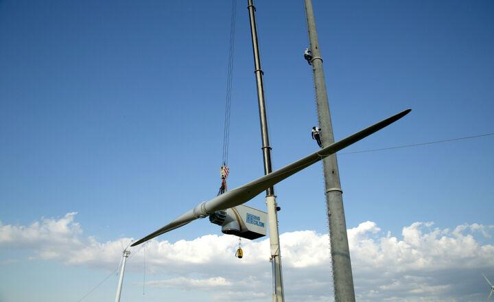 2017.07.06-Wind_turbines-ATB_60_28_DD-installation-sicilia-10.jpg -